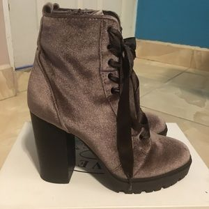 Steve Madden Laurie boots